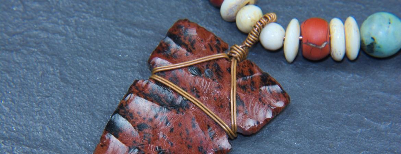 Pendant with obsidian arrowhead PA1818